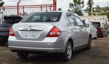 Nissan Tiida Latio 2012 full