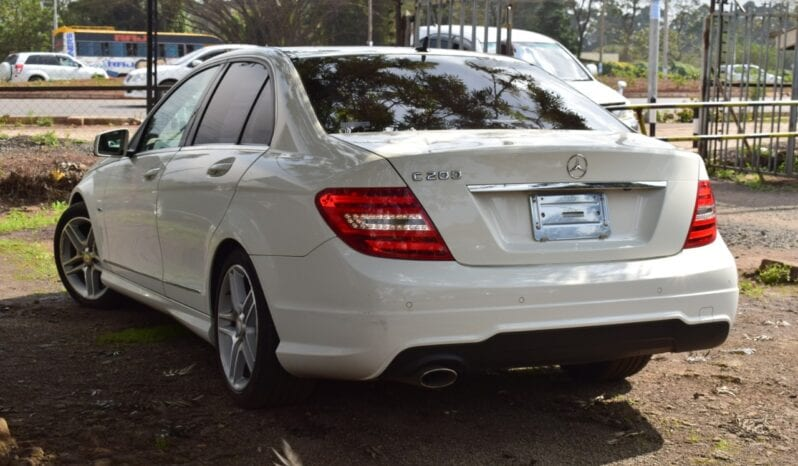 Mercedes-Benz C200 2013 full