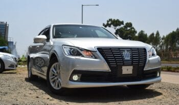 Toyota-Crown-Ineax-Motors-1